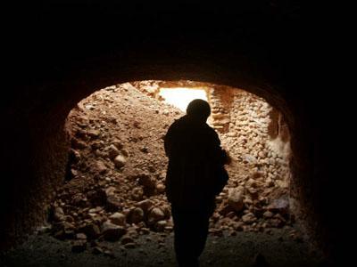 Por las cuevas
